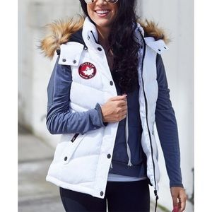 NWT Canada Weather Gear Hooded Puffer Vest, Sz. M